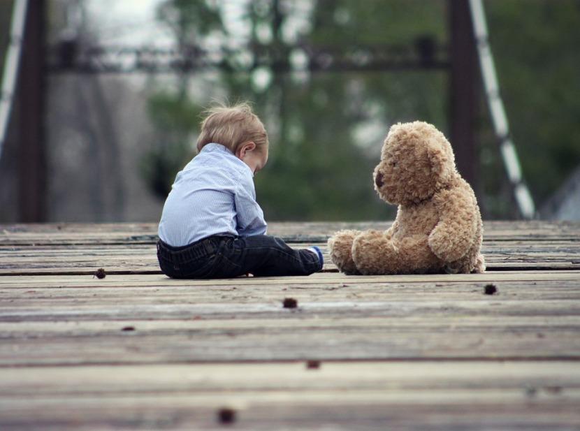 Häpeäkasvatus on julmaa – älä teesitä.
