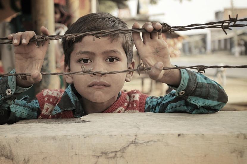 Käytöksellään oireileva lapsi voi olla sehädänalaisin